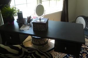 jnellmakeup vanity-desk2